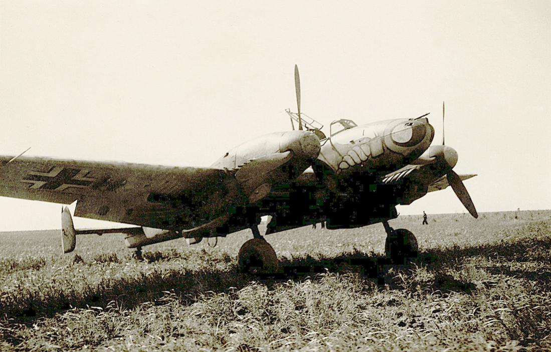 Naam: Foto 503. Messerschmitt Bf 110 van ZG 1 (Zerstörergeschwader 1. %22Wespengeschwader%22). 1100 br.jpg Bekeken: 282 Grootte: 129,9 KB