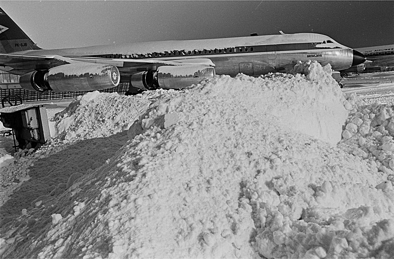Naam: a10  Winter '66  Garuda op SPL.  Kouwe Coronado.jpg Bekeken: 742 Grootte: 194,8 KB