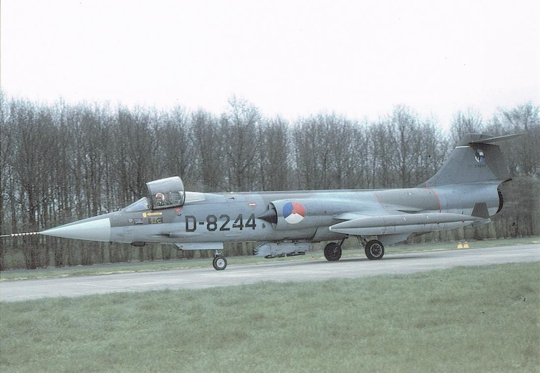 Naam: Foto 175. 'D-8244'. Lockheed F-104G Starfighter. 1100 breed.jpg Bekeken: 153 Grootte: 102,0 KB