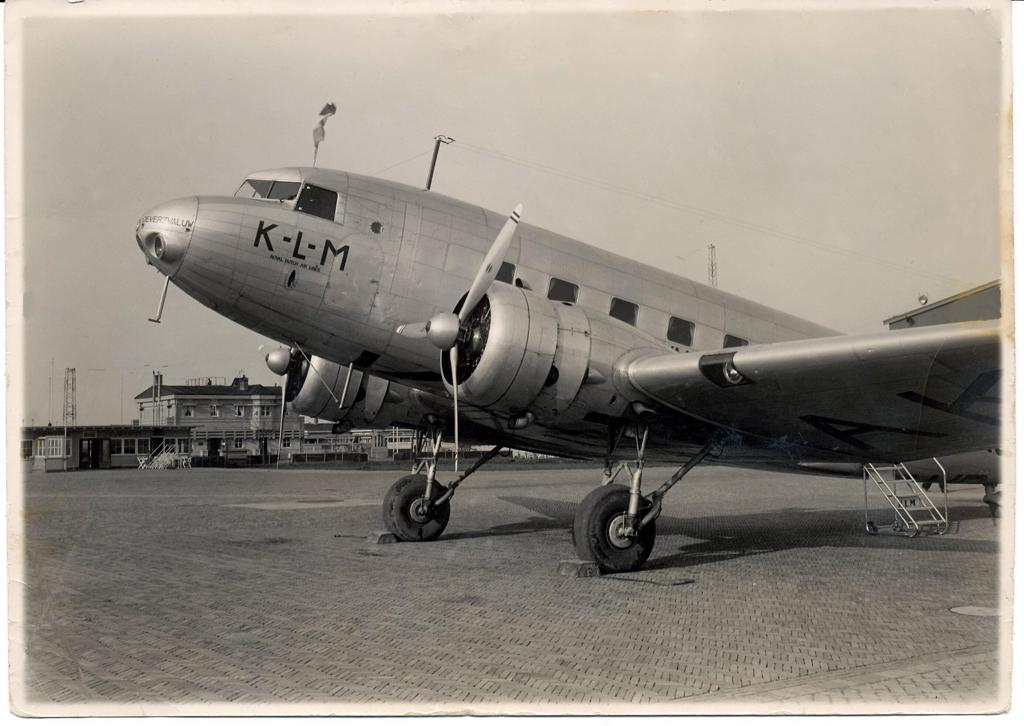 Naam: PH-AKO_Douglas_DC-2_KLM_Oeverzwaluw.jpg Bekeken: 193 Grootte: 453,6 KB