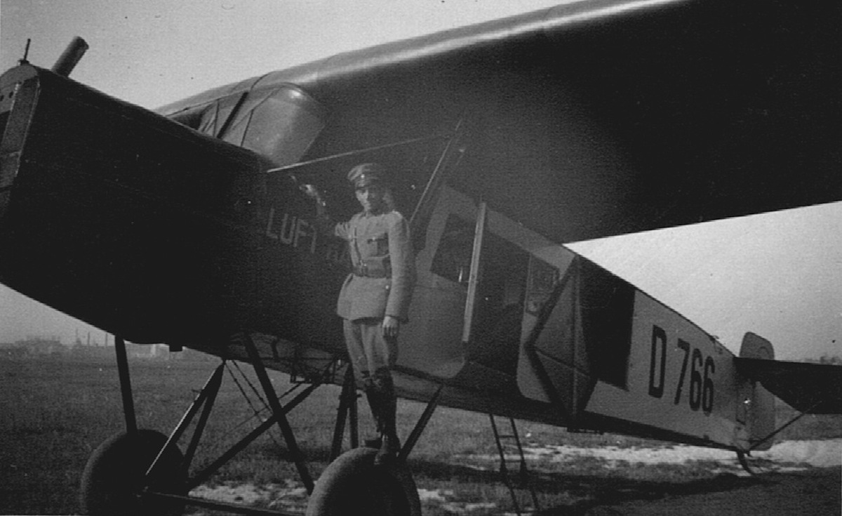 Naam: D 766. Fokker-Grulich.jpeg Bekeken: 3717 Grootte: 175,3 KB