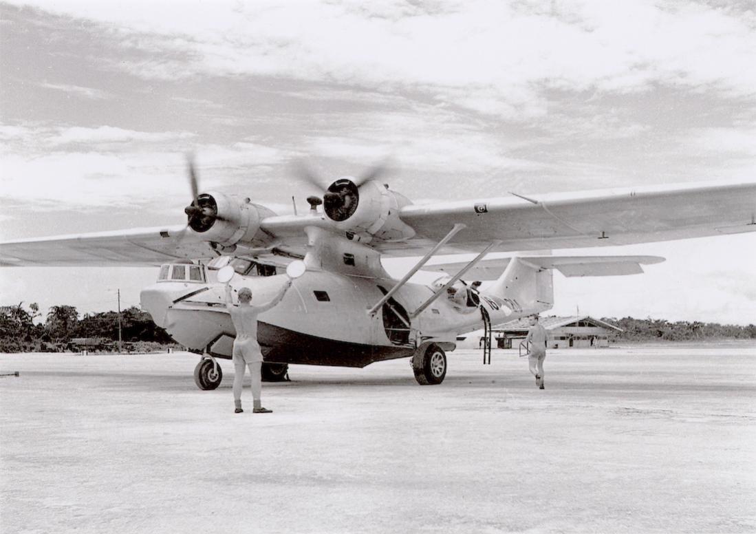 Naam: #303. '16-218' (= 'P-218', ex. 'P-83'). Consolidated PBY-5A Catalina. 15.06.1957 gesloopt MVKB. .jpg Bekeken: 120 Grootte: 89,0 KB