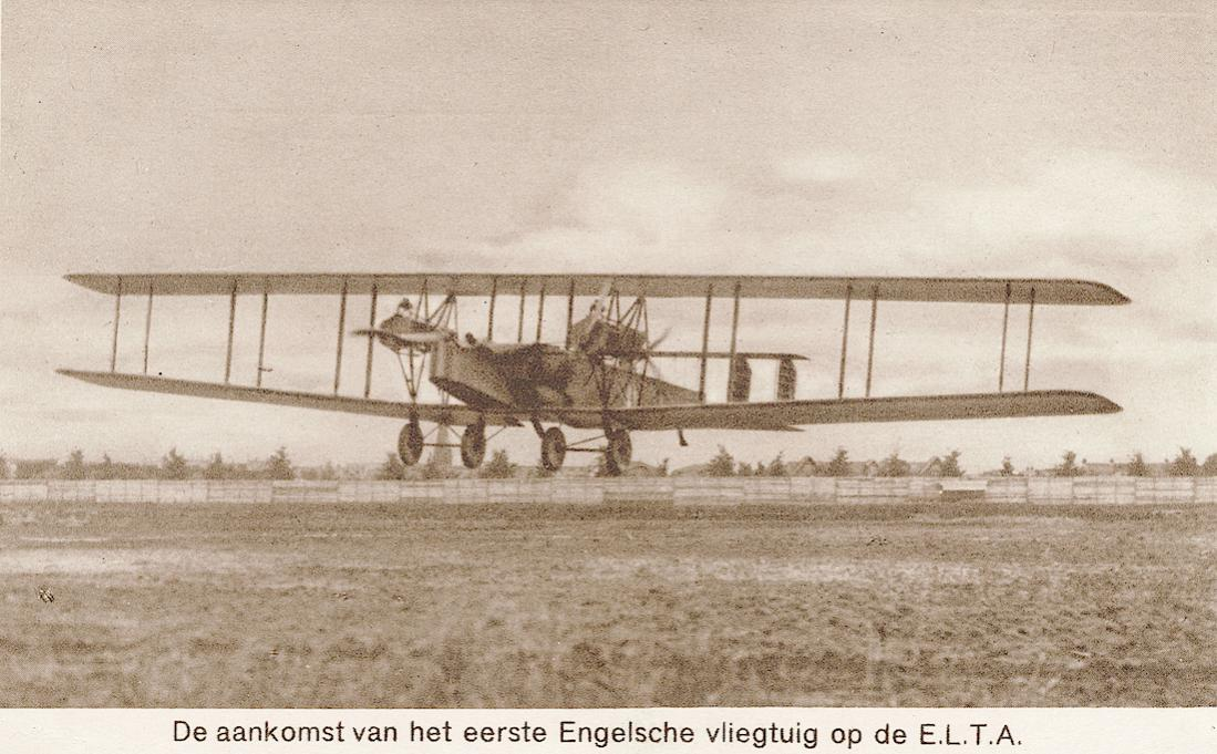 Naam: Kaart 844. ELTA 1919. De aankomst van het eerste Engelsche vliegtuig op de E.L.T.A. 1100 breed.jpg Bekeken: 219 Grootte: 117,2 KB