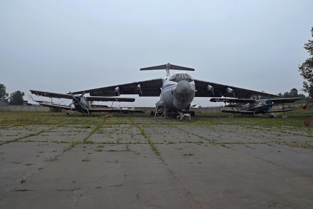 Naam: Il 76 + 2 An 2's - Irkutsk..jpg Bekeken: 193 Grootte: 109,2 KB