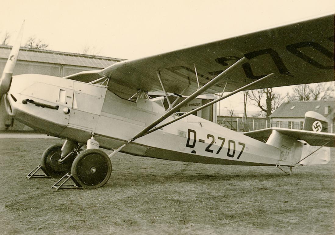 Naam: Foto 435. D-2707. Albatros AL 102B (Focke-Wulf built. Ook Focke-Wulf AL 102B genoemd na overname.jpg Bekeken: 270 Grootte: 129,4 KB