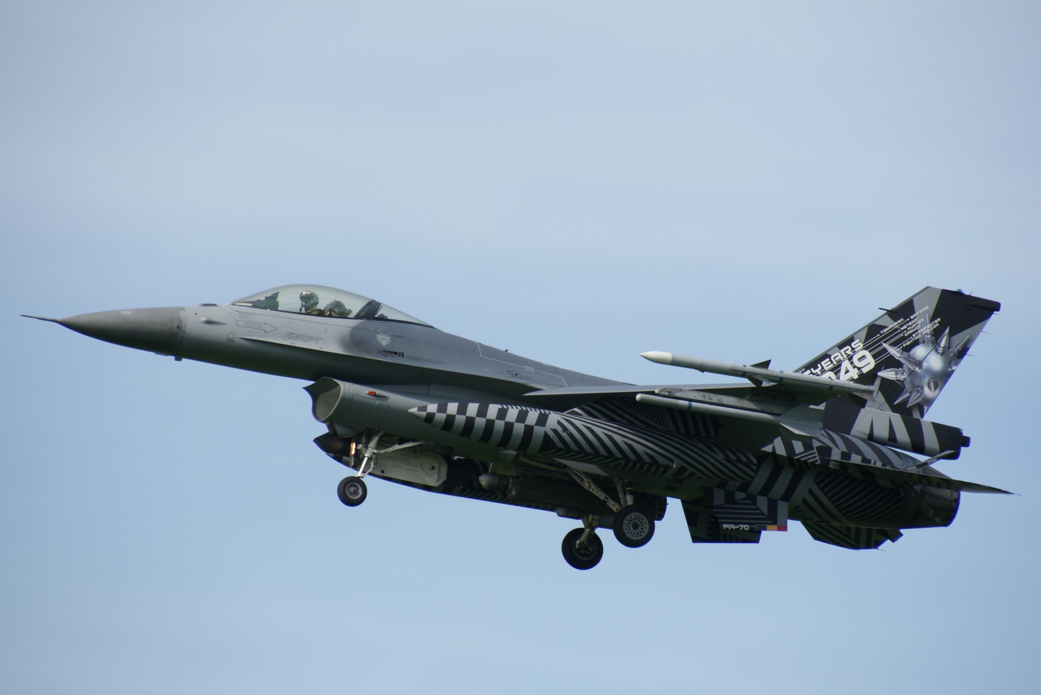 Naam: FA-70 SPECIAL (4).jpg Bekeken: 256 Grootte: 239,1 KB