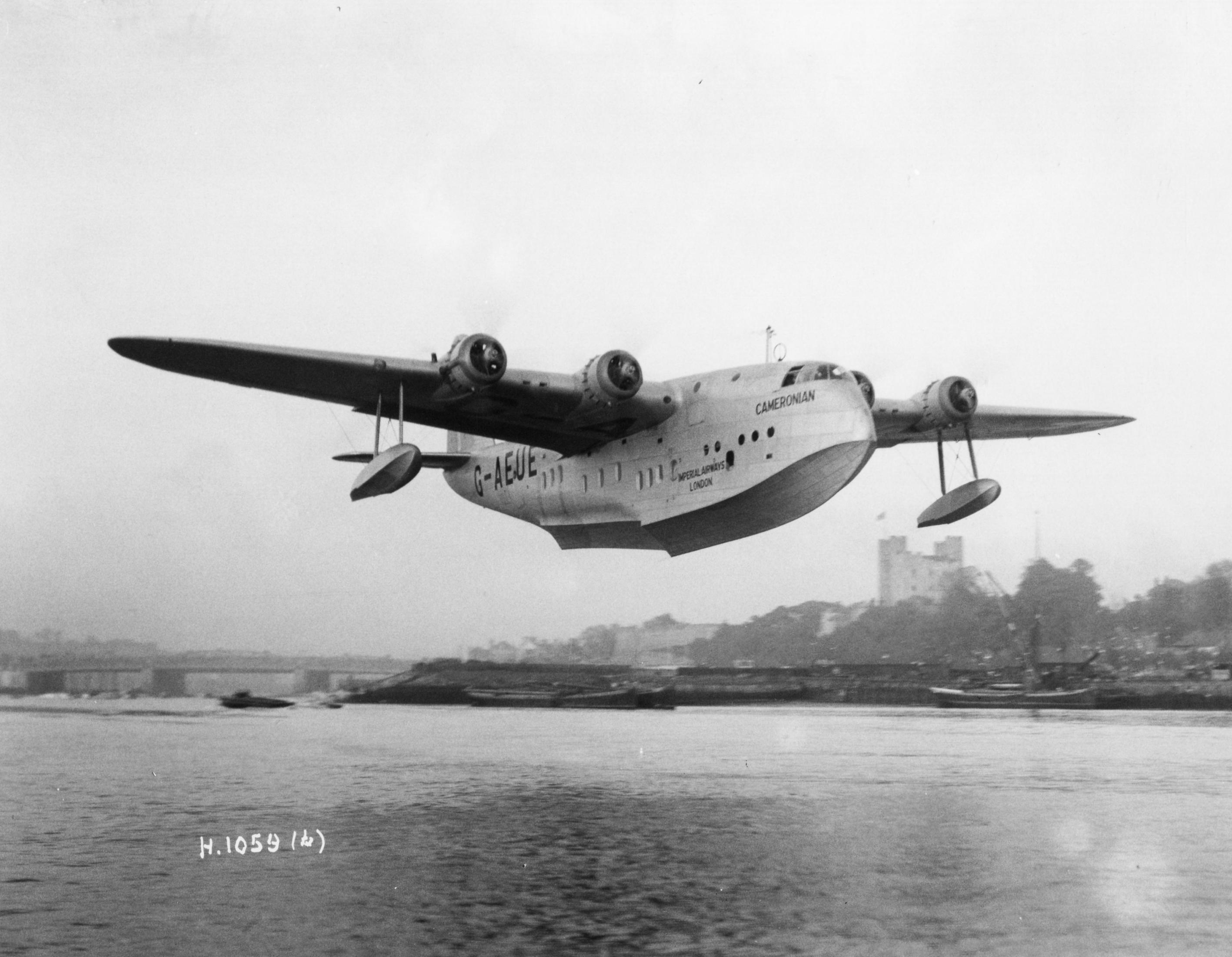 Naam: Short S.23 Empire G-AUAE 1936.jpg Bekeken: 211 Grootte: 489,4 KB