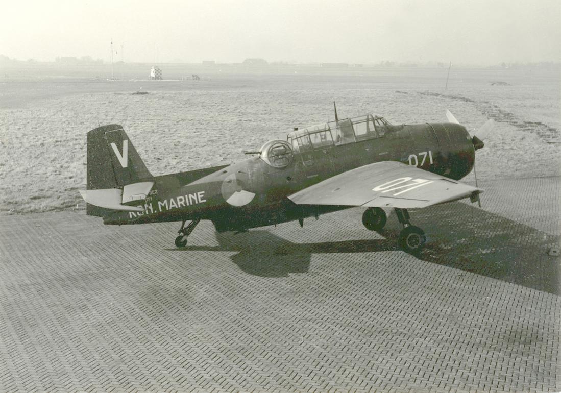 Naam: #361. '071' (eerder U-29). Grumman TBM-3E2 Avenger. 1100 breed.jpg Bekeken: 106 Grootte: 131,9 KB
