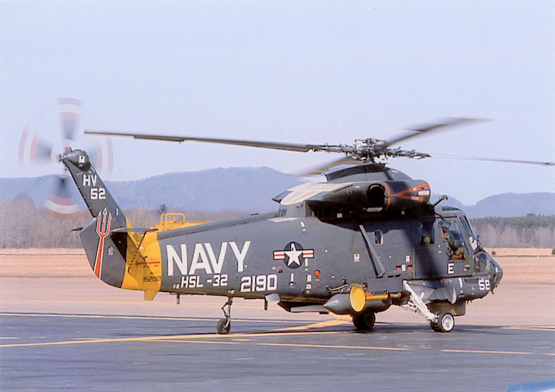 Naam: Foto 744. Kaman UH-2B (SH-2F) Seasprite. Bu. 152190. MSN 174. 1100 breed.jpg Bekeken: 132 Grootte: 87,9 KB