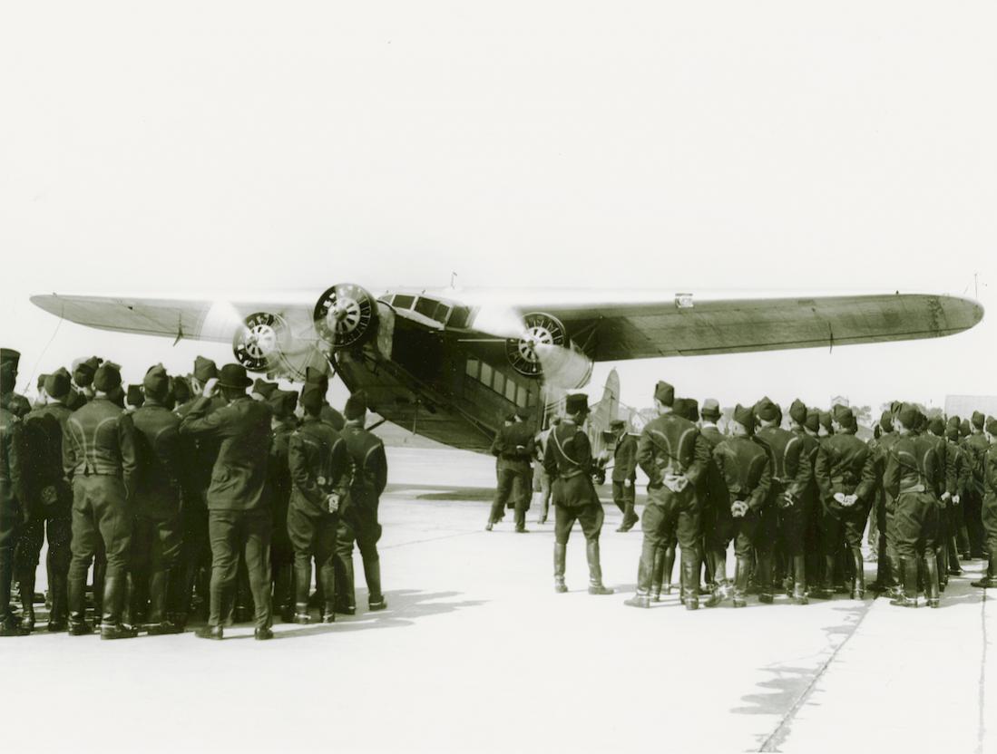 Naam: Foto 328. PH-AFU 'Uil'. Fokker F.XII. 1100 breed.jpg Bekeken: 416 Grootte: 71,0 KB