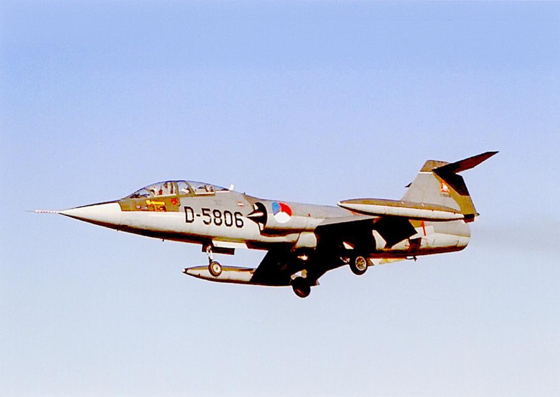 Naam: Foto 264. D-5806. Lockheed TF-104G Starfighter. 1100 breed.jpg Bekeken: 101 Grootte: 59,9 KB
