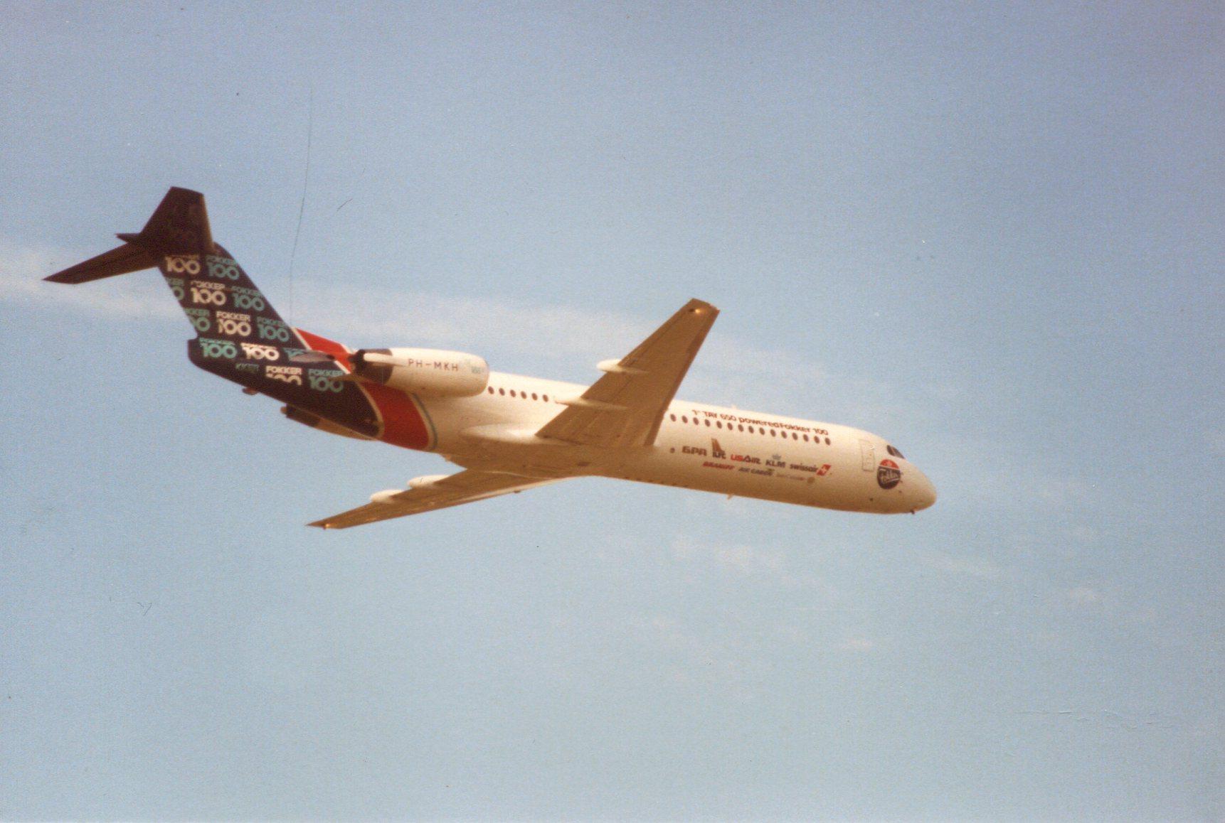 Naam: Farnborough 5-9-1988.jpg Bekeken: 309 Grootte: 224,1 KB