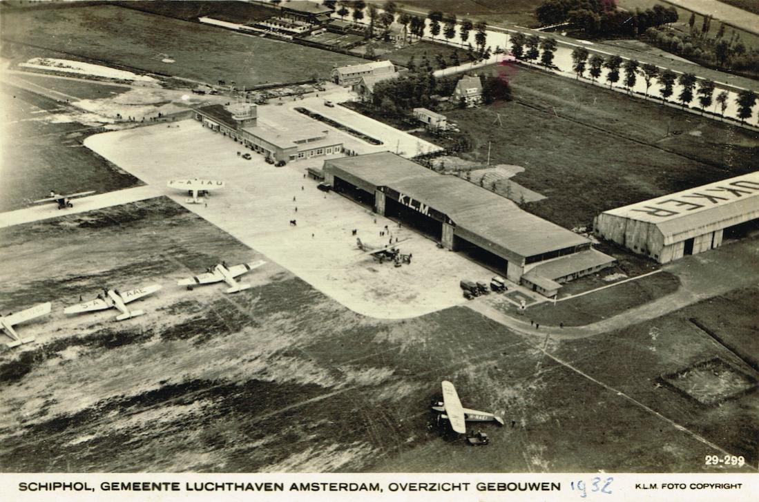 Naam: Kaart 687. Luchtfoto Schiphol, plm. 1932, kopie 1100.jpg Bekeken: 691 Grootte: 158,5 KB