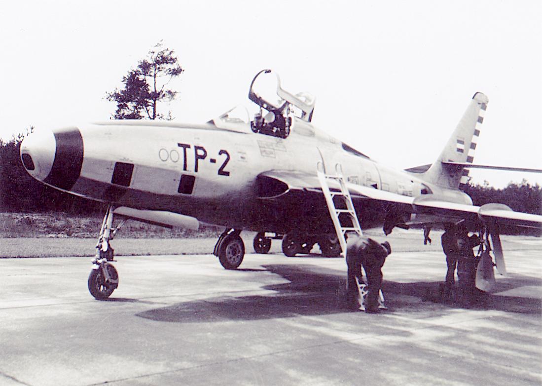 Naam: Foto 232. 'TP-2'. Republic RF-84F Thunderflash. 1100 breed.jpg Bekeken: 42 Grootte: 99,4 KB