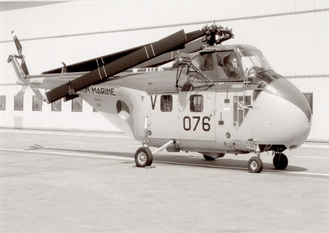 Naam: #381. 076 (eerder H-2) %22Salomé%22. Sikorsky HO4S-3 (UH-19F). 1100 breed.jpg Bekeken: 141 Grootte: 81,3 KB