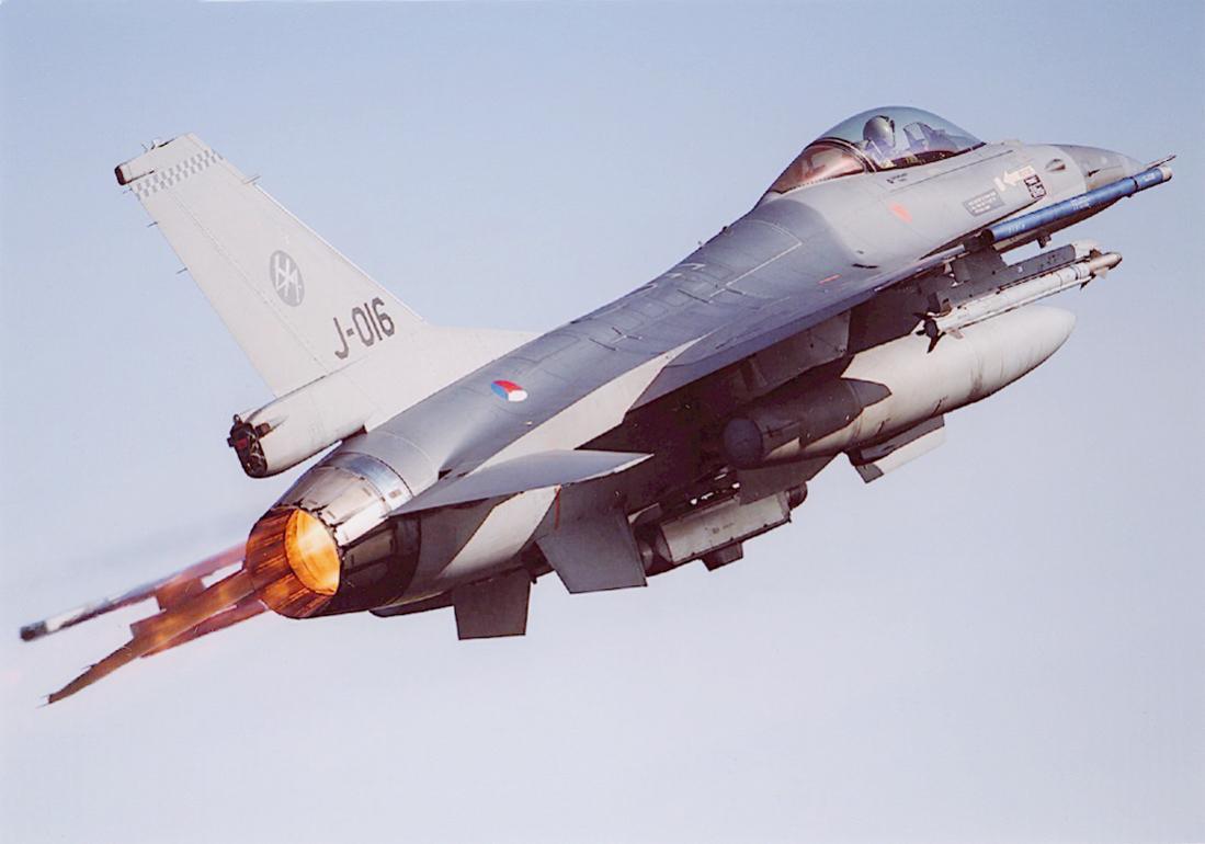 Naam: Foto 263. J-016. General Dynamics F-16 MLU. 1100 breed.jpg Bekeken: 79 Grootte: 55,9 KB