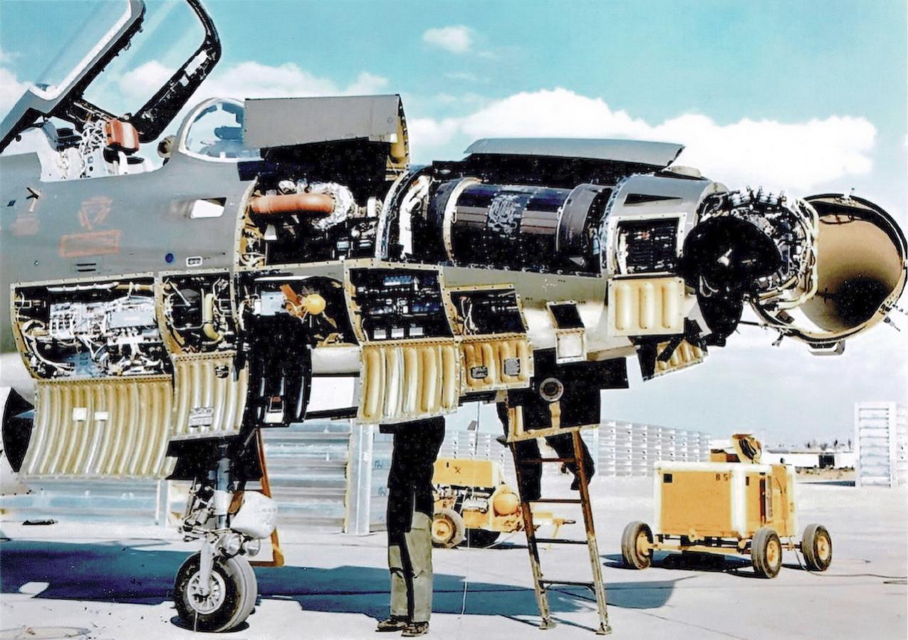 Naam: Foto 643. Republic F-105 Thunderchief.jpg Bekeken: 103 Grootte: 180,9 KB