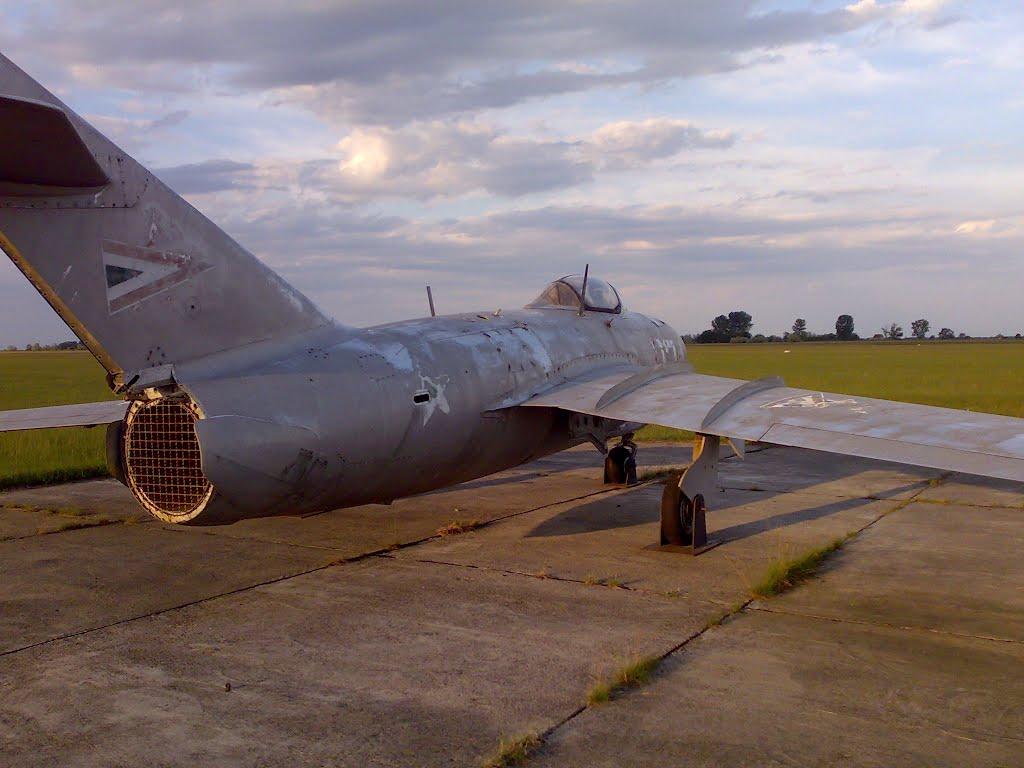 Naam: MiG-17 -Börgönd..jpg Bekeken: 196 Grootte: 90,0 KB