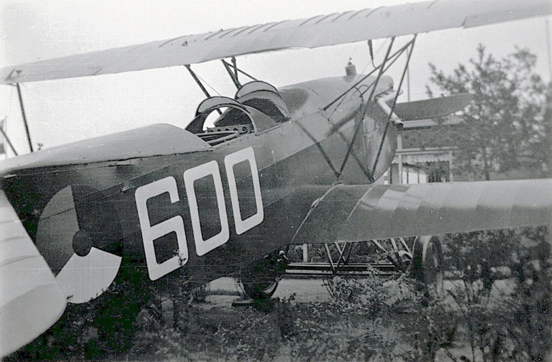 Naam: Foto 10. Fokker C.Ve '600' (fake regi, is ex 'PH-AEU') op Luchtvaarttentoonstelling Soesterdal.jpg Bekeken: 488 Grootte: 127,5 KB