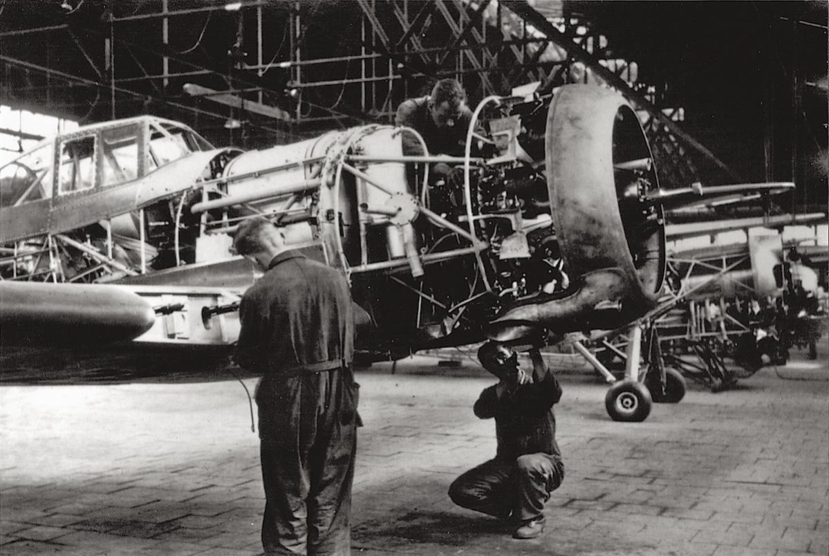 Naam: Foto 1. Fokker D.XXI in aanbouw, kopie.jpg Bekeken: 940 Grootte: 137,5 KB
