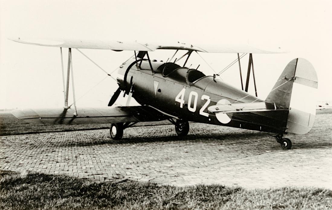 Naam: Foto 119. '402'. Koolhoven F.K. 51 verkenner. 1100 breed.jpg Bekeken: 408 Grootte: 107,4 KB