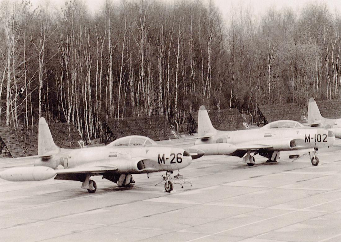 Naam: Foto 192. 2x Lockheed T-33A.jpg Bekeken: 431 Grootte: 155,7 KB