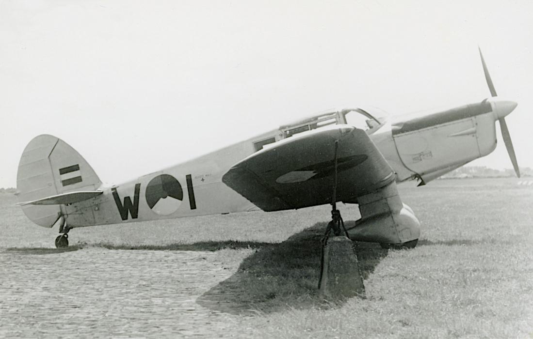 Naam: Foto 248. 'W-1'. Percival P.30 Proctor Mk.III. 1100 breed.jpg Bekeken: 67 Grootte: 71,8 KB