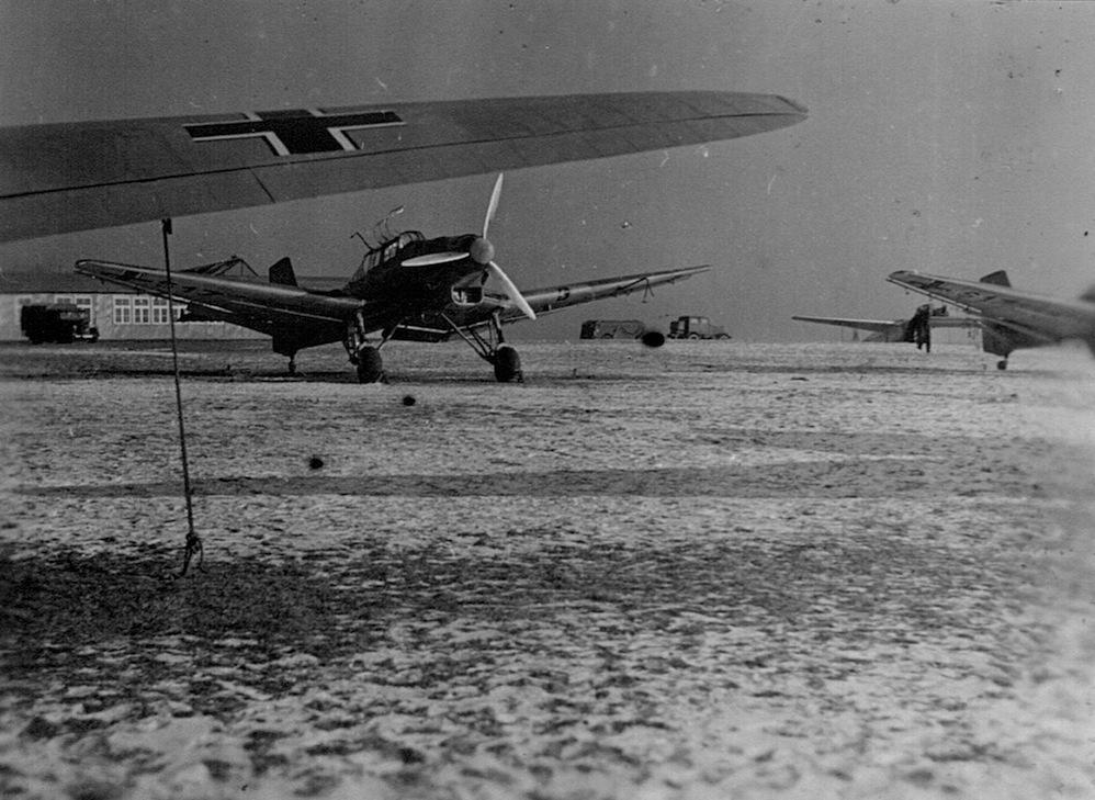 Naam: 15. Ju 87, Attrappe of modificatie?.jpeg Bekeken: 5700 Grootte: 219,7 KB