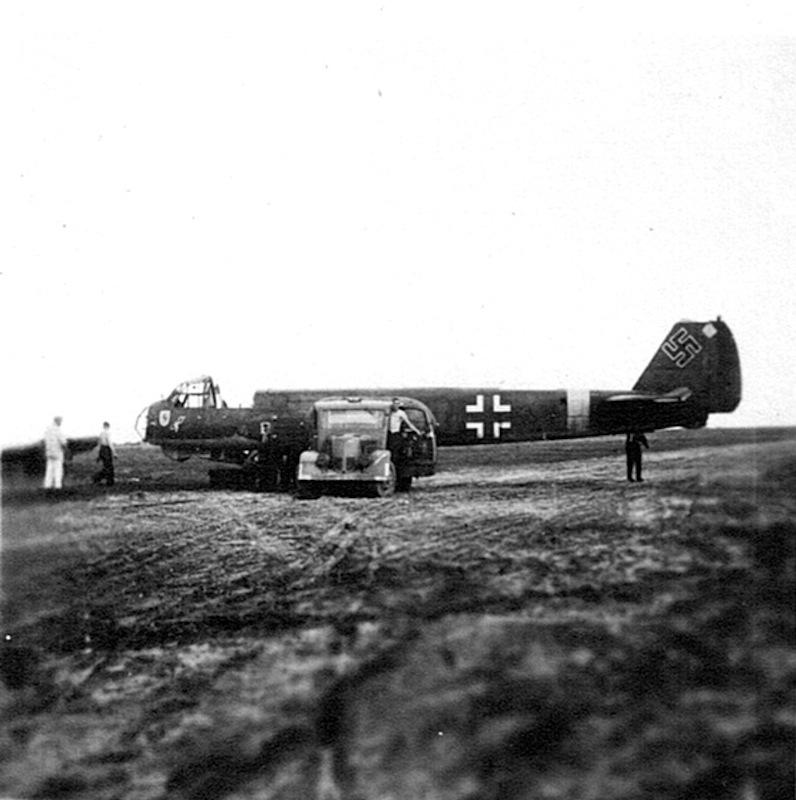 Naam: 18. Ju 88 dwarsligger (Brjansk).jpeg Bekeken: 5339 Grootte: 117,5 KB