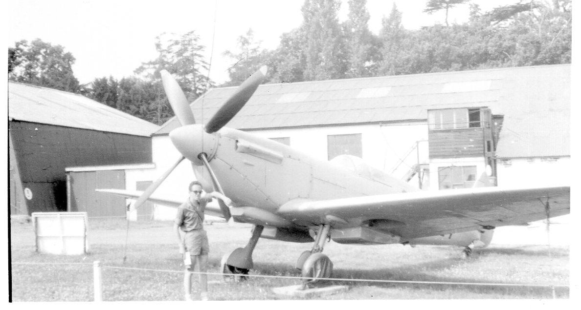 Naam: Shuttleworth 1965.jpg Bekeken: 325 Grootte: 100,5 KB