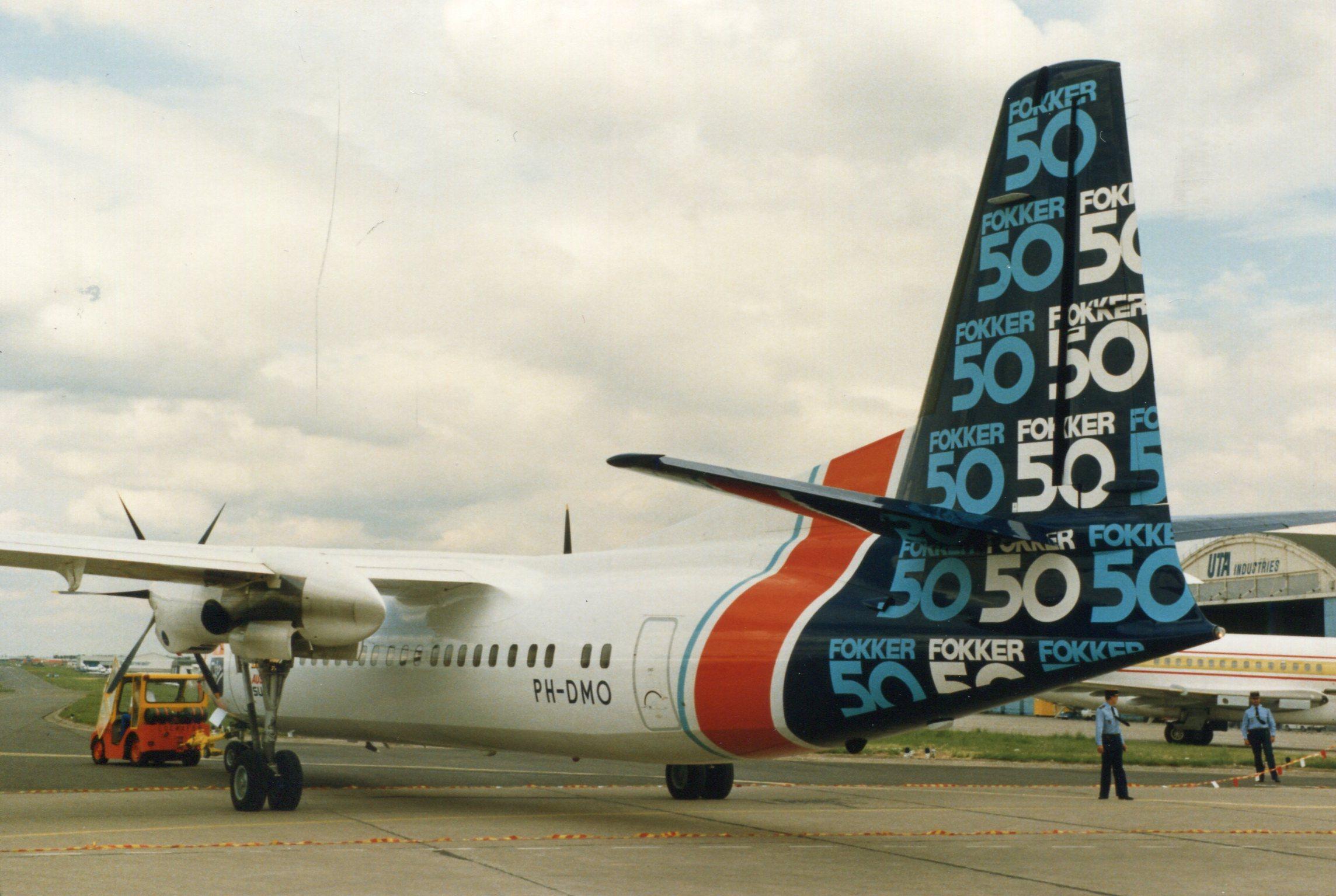 Naam: Fokker 50  juni 1987 (3).jpg Bekeken: 91 Grootte: 411,2 KB