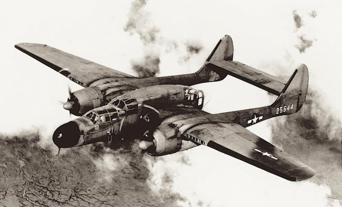 Naam: Foto 659. Northrop P-61A-5-NO Black Widow. MSN 776 1100 breed.jpg Bekeken: 325 Grootte: 93,2 KB
