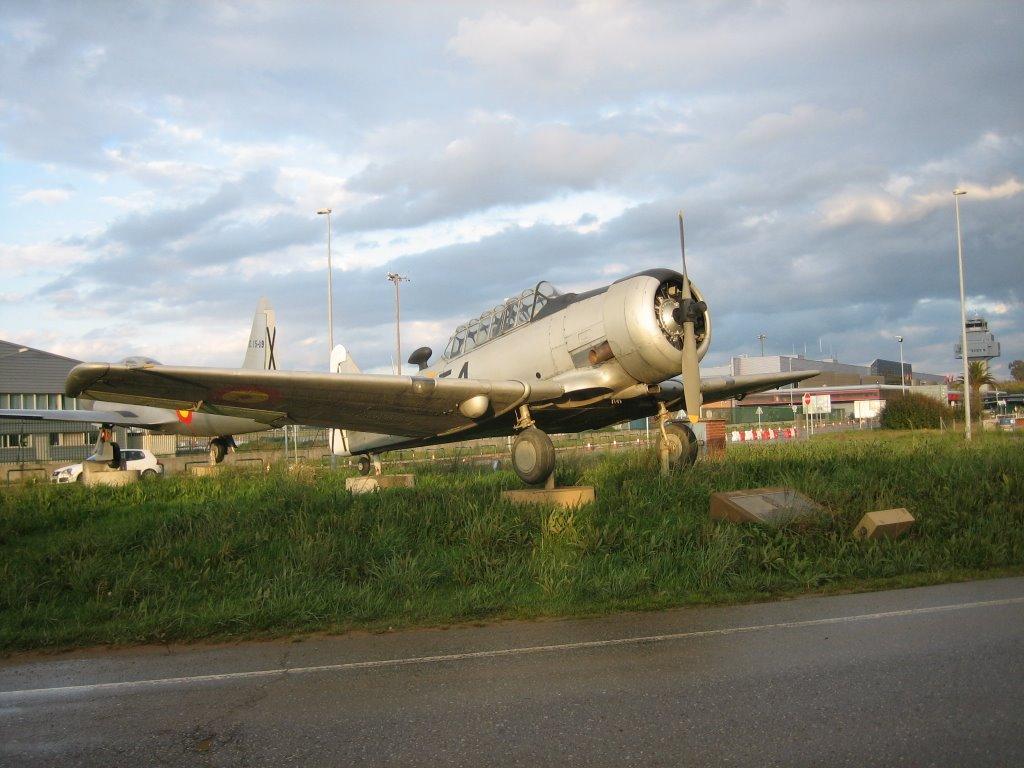 Naam: SNJ-6 , Santander, Spain..jpg Bekeken: 138 Grootte: 124,2 KB