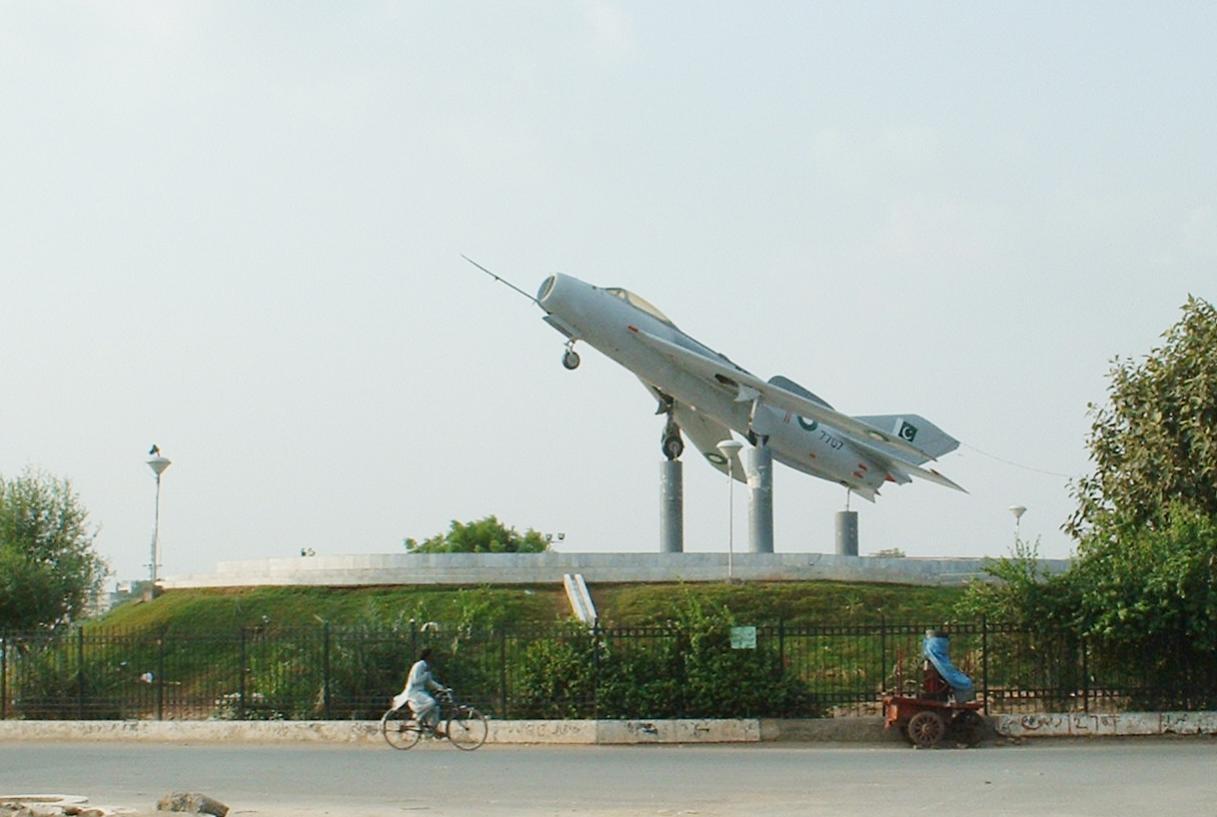 Naam: Mig 19 , Faisalabad..jpg Bekeken: 40 Grootte: 84,3 KB