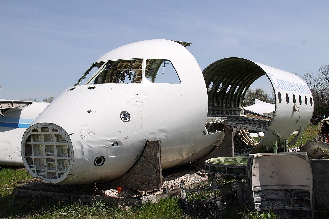 Naam: 1280px-N862RW_Embraer_170_Delta_Connection_(_Parts_Plane_Rebuilt_&_Still_In_Service_)_(914337281.jpg Bekeken: 853 Grootte: 211,2 KB