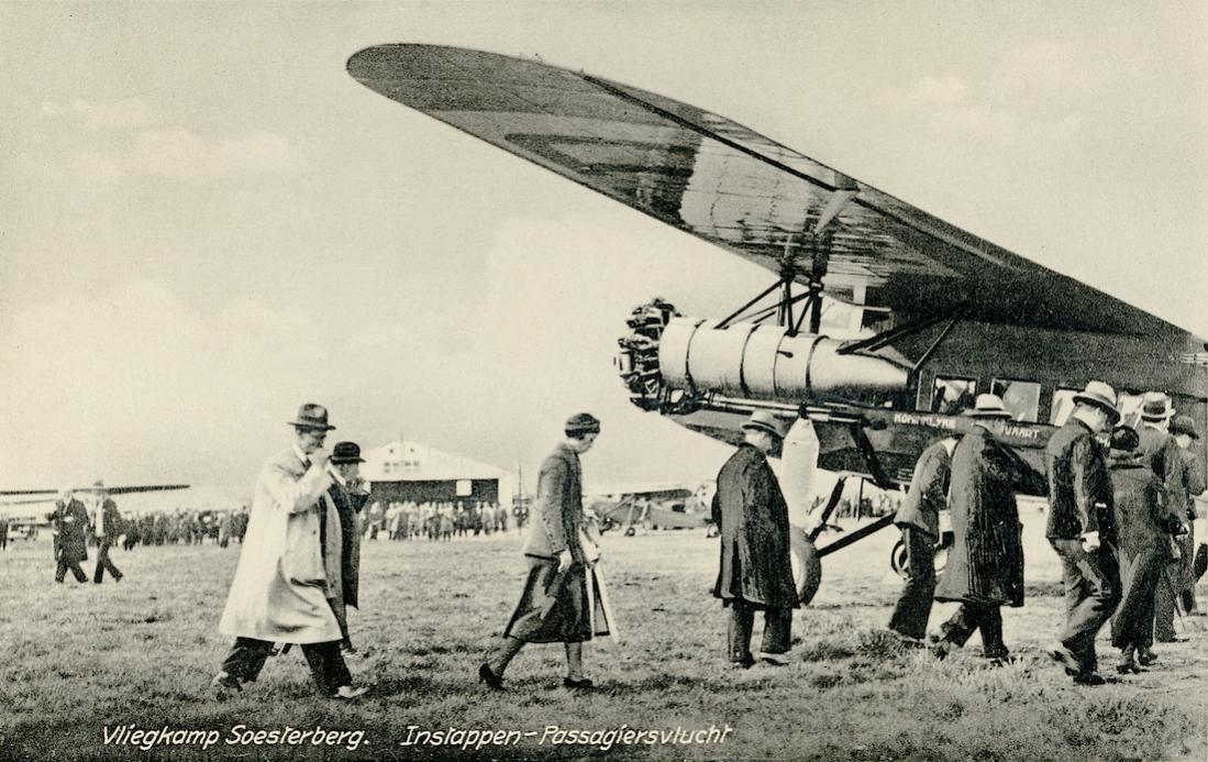 Naam: Kaart 753. Vliegkamp Soesterberg - Instappen-Passagiersvlucht. 1100 breed.jpg Bekeken: 395 Grootte: 133,7 KB
