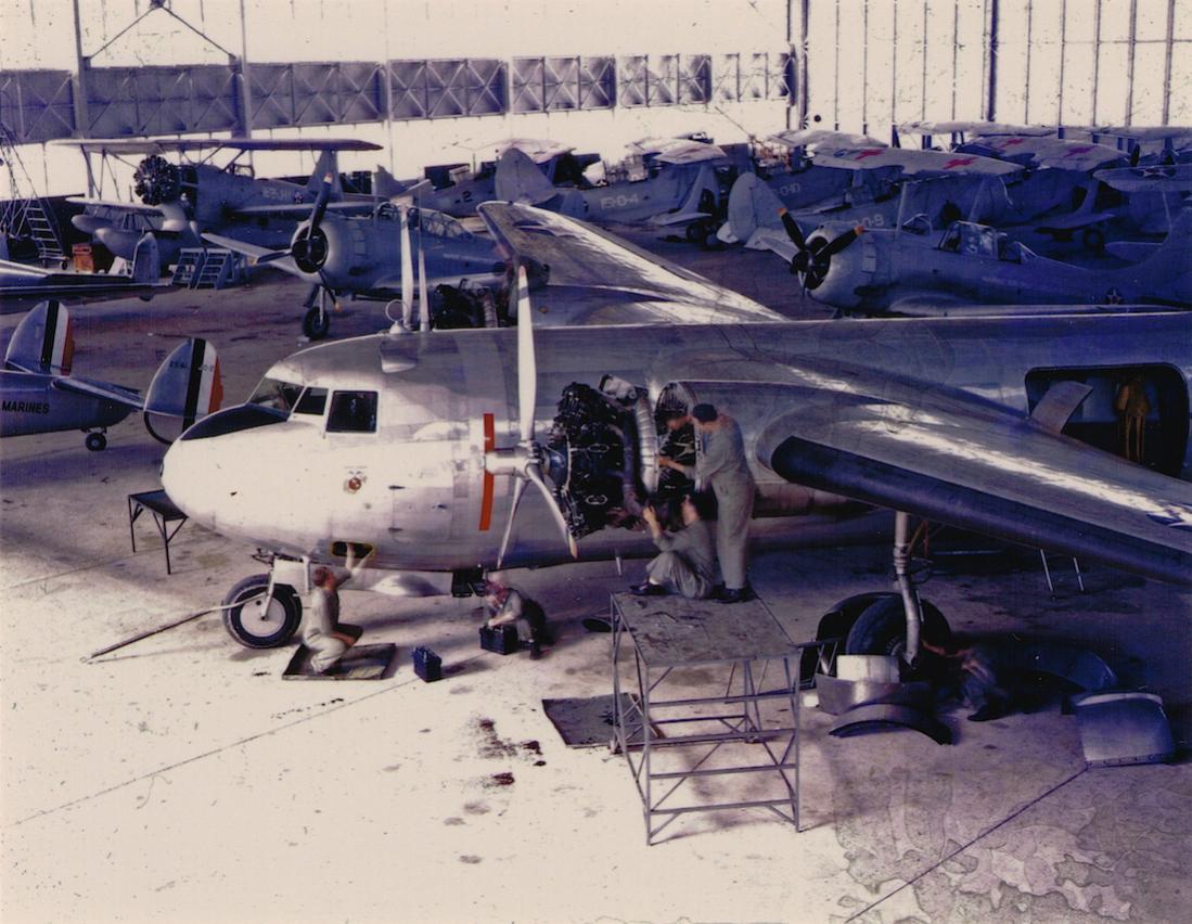 Naam: Douglas R3D-2 of United States Marine Corps (1), kopie 1100.jpg Bekeken: 200 Grootte: 133,3 KB