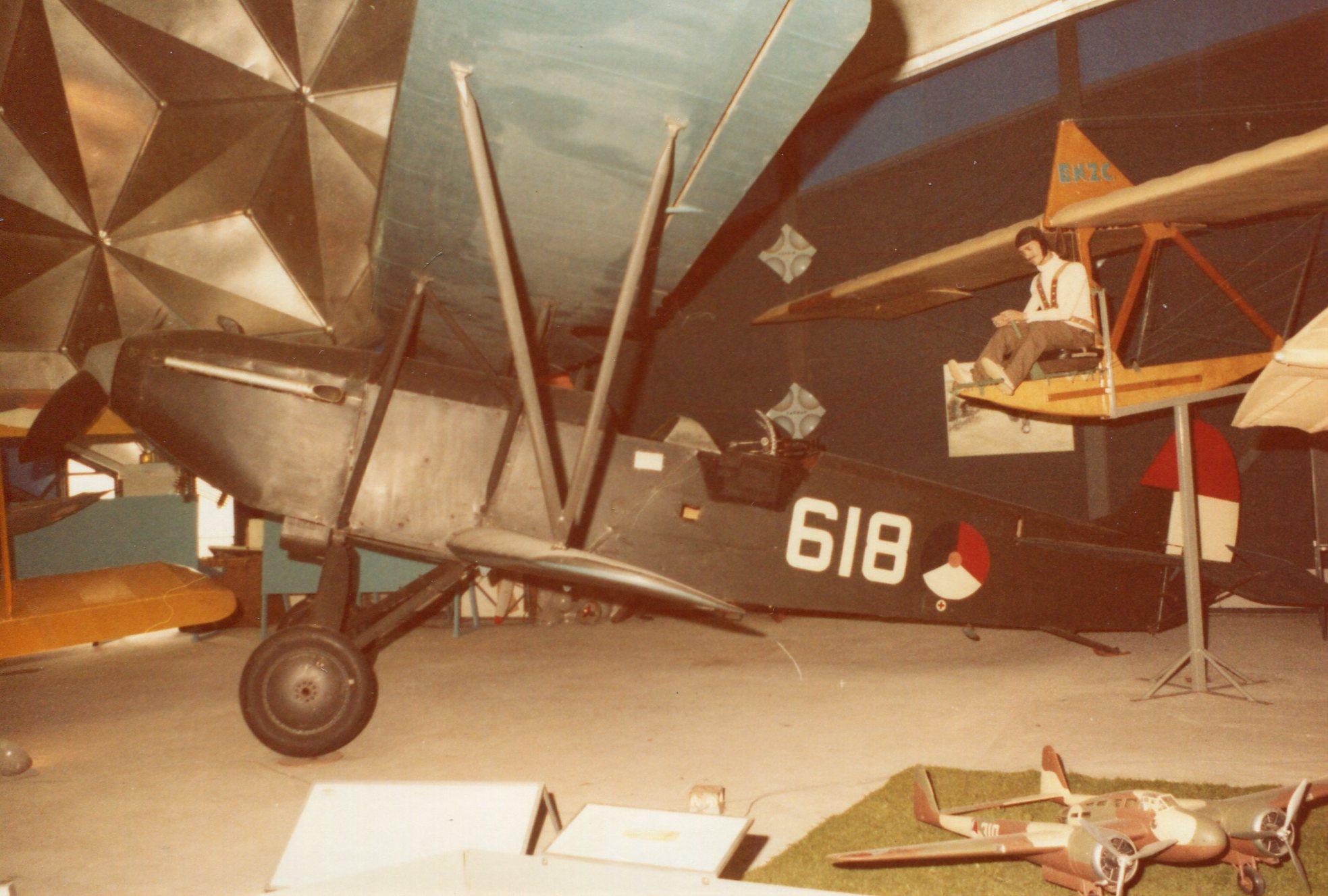 Naam: Fokker C5D+.jpg Bekeken: 194 Grootte: 329,0 KB