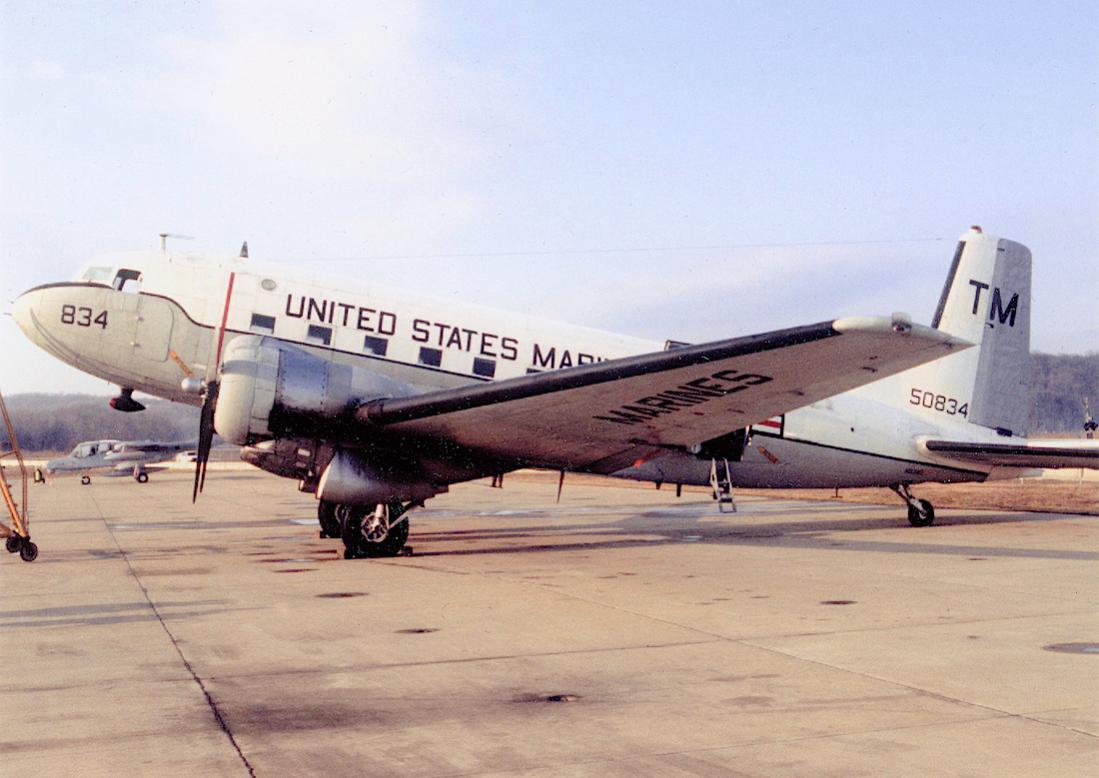 Naam: Foto 738. Douglas R4D-6 (ook wel Super Dakota genoemd). Navy equivalent of C-47B-DK. 1100 breed.jpg Bekeken: 354 Grootte: 90,9 KB
