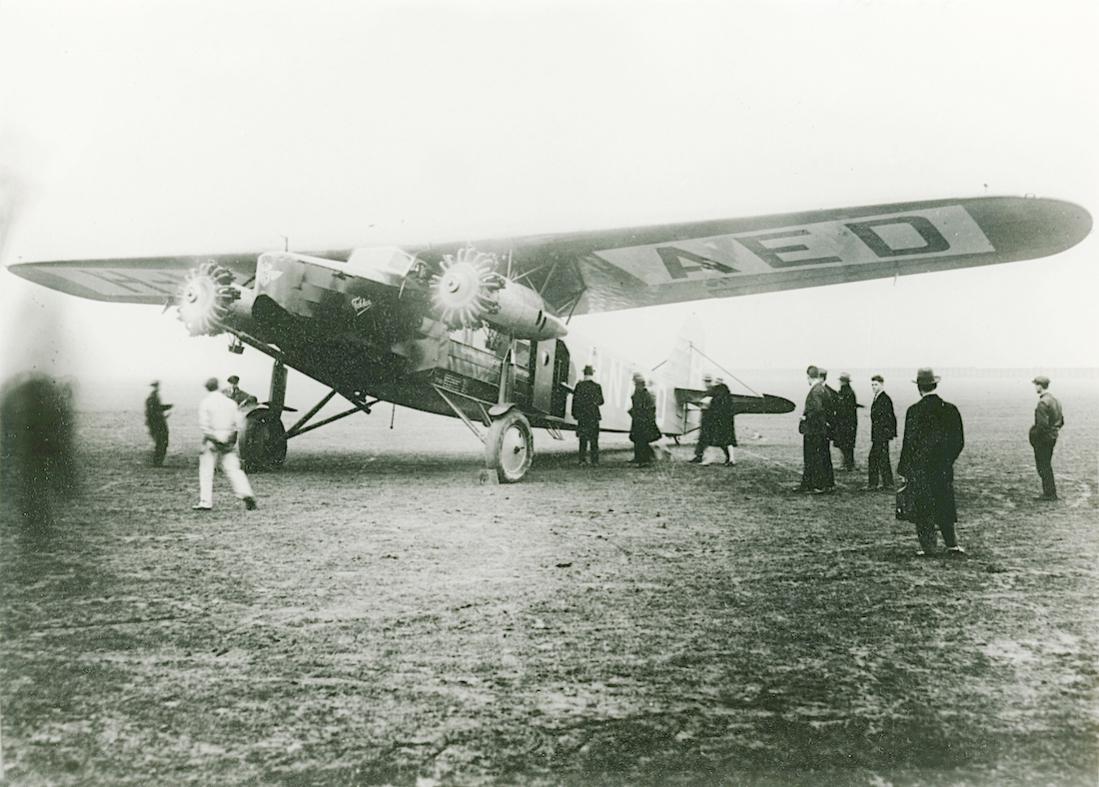 Naam: Foto 326. 'H-NAED' ('PH-AED). Fokker F.VIII. 1100 breed.jpg Bekeken: 132 Grootte: 117,9 KB