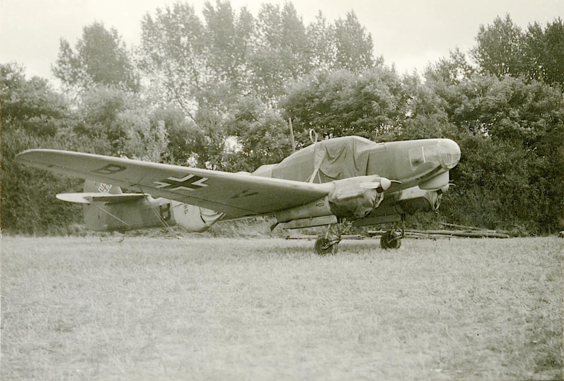 Naam: Foto 515. Focke-Wulf Fw 58 B 'Wijhe' te Duinkerken (volgens verkoper). 1100 breed.jpg Bekeken: 381 Grootte: 131,2 KB