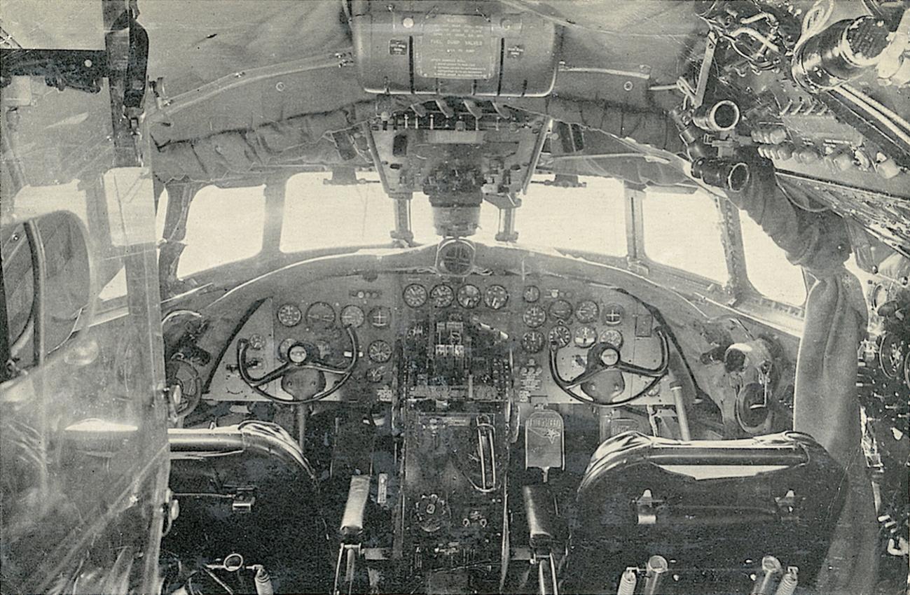 Naam: Kaart 817. Cockpit Constellation.jpg Bekeken: 148 Grootte: 221,4 KB