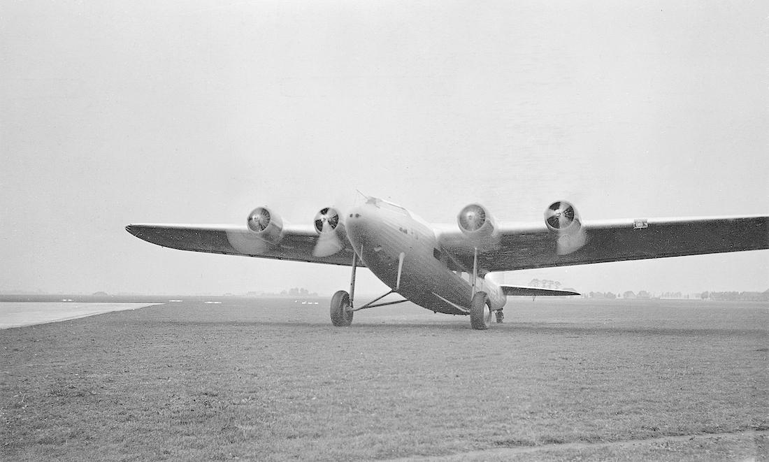 Naam: Foto 221. PH-AJA 'Arend'. Fokker F.XXXVI. 1100 breed.jpg Bekeken: 35 Grootte: 487,0 KB