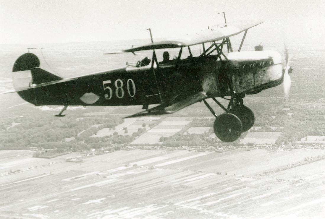 Naam: Foto 139. 580. Fokker C.IV. Deze is uit aangekochte onderdelen door de TD van de LVA geassemblee.jpg Bekeken: 329 Grootte: 99,4 KB