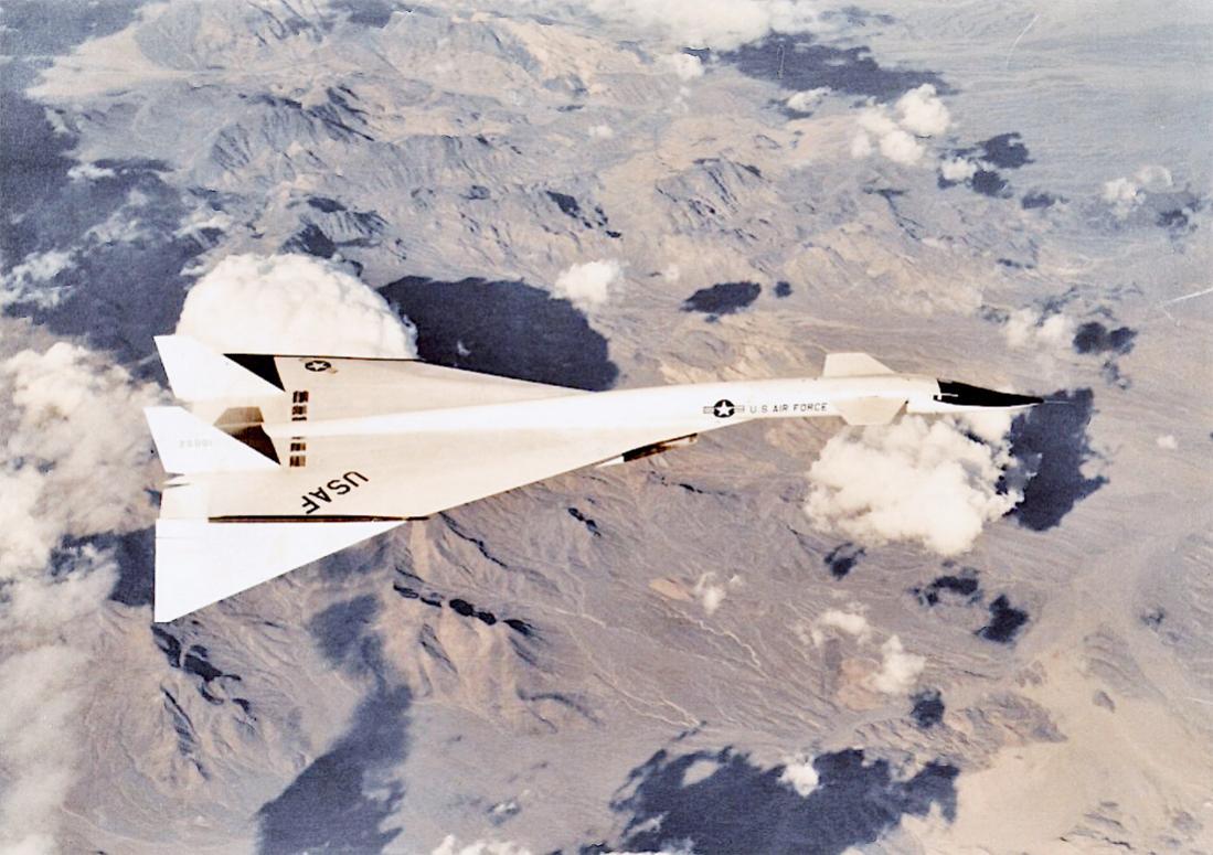 Naam: Foto 812. North American XB-70 Valkyrie. 1100 breed.jpg Bekeken: 186 Grootte: 116,9 KB