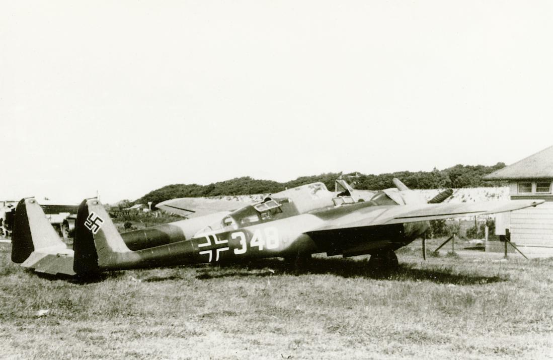 Naam: Foto 587. '348'. G-1 Luftwaffe op Ockenburg. 1100 breed.jpg Bekeken: 131 Grootte: 84,4 KB