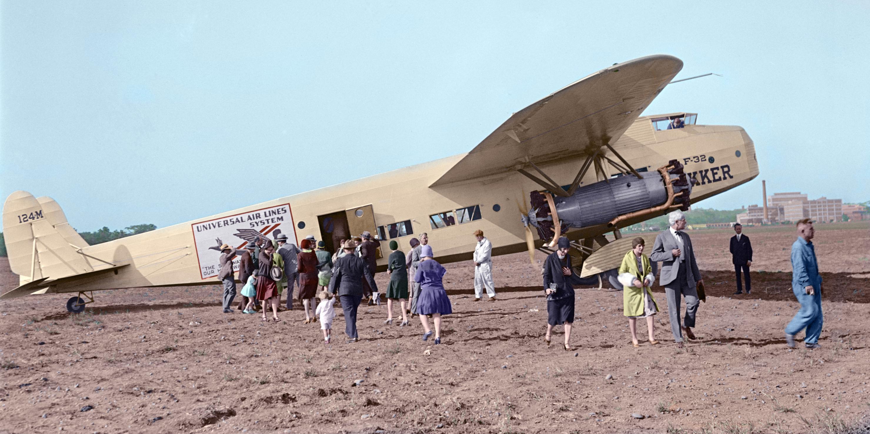 Naam: Fokker_F_32 copy.jpg Bekeken: 149 Grootte: 555,5 KB