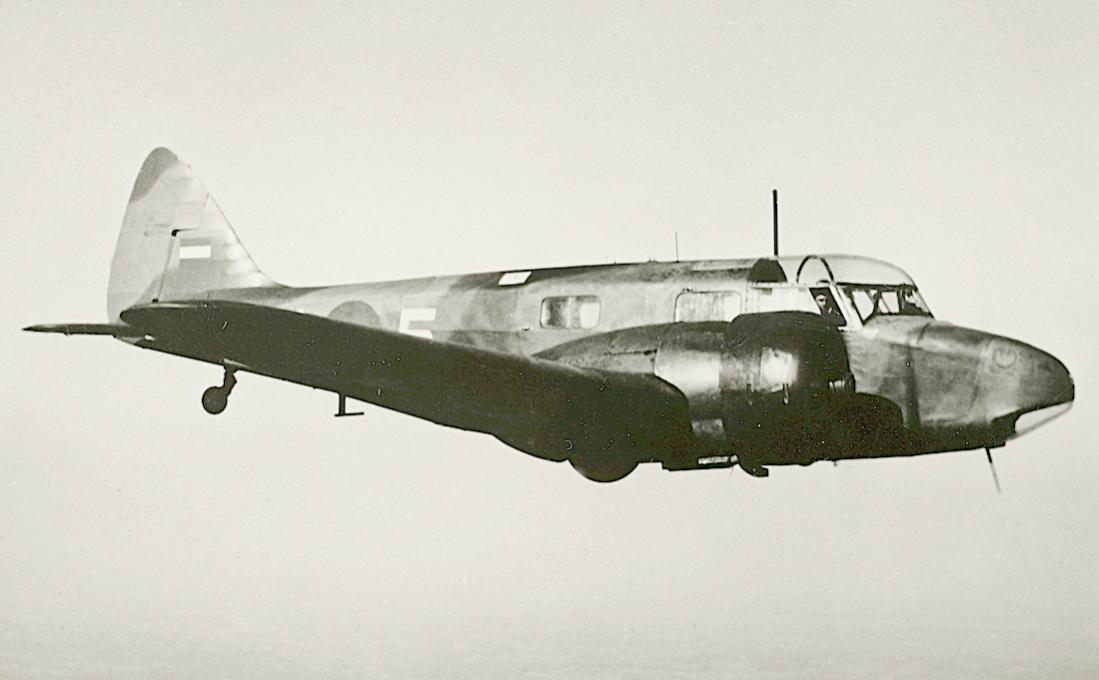 Naam: Foto 217. 'C-5'. Airspeed AS-46 Oxford. 1100 breed.jpg Bekeken: 192 Grootte: 51,7 KB