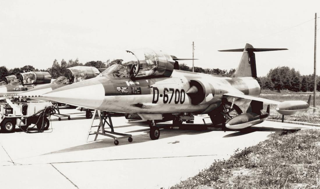Naam: Foto 234. 'D-6700'. Door Fiat gebouwde Lockheed F-104G Starfighter. 1100 breed.jpg Bekeken: 184 Grootte: 88,5 KB