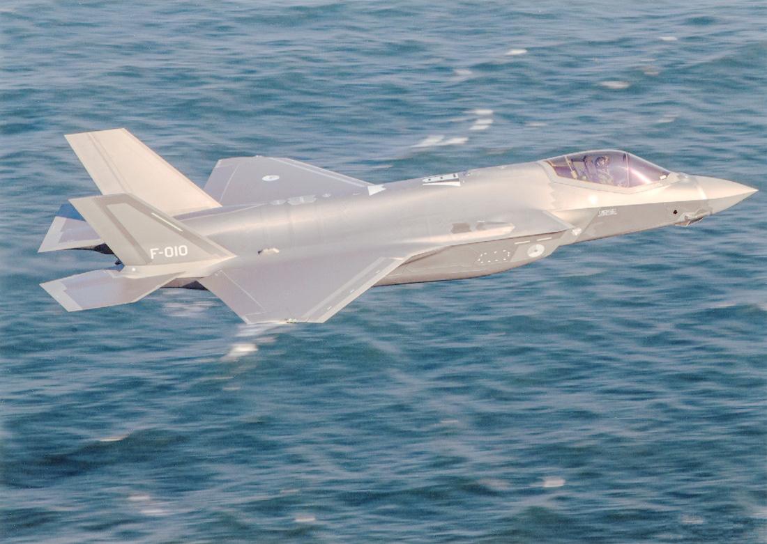 Naam: Foto 238. 'F-10'. 10e F-35A Lightning II van de KLu. 1100 breed.jpg Bekeken: 39 Grootte: 326,8 KB